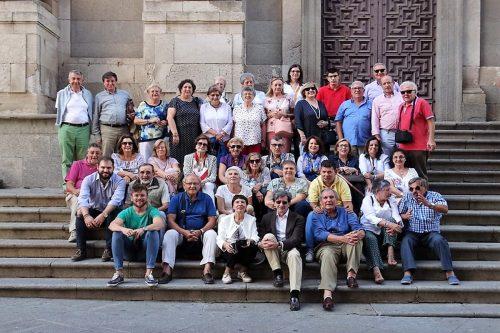 2018-12 Visita a Salamanca. Escalinatas de la U. Pontificia
