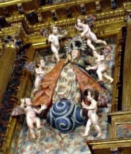 23.- Grupo escultórico de la Asunción de la Virgen