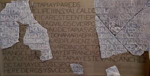 Lám 6.- Lápida de los Tapia (propuesta de reconstrucción, calco y mármol)